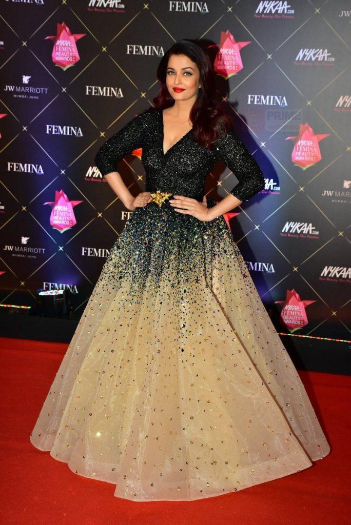 Inspírate para los looks de vestidos de fiesta con Aishwarya Rai Bachchan - vestido fiesta bicolor