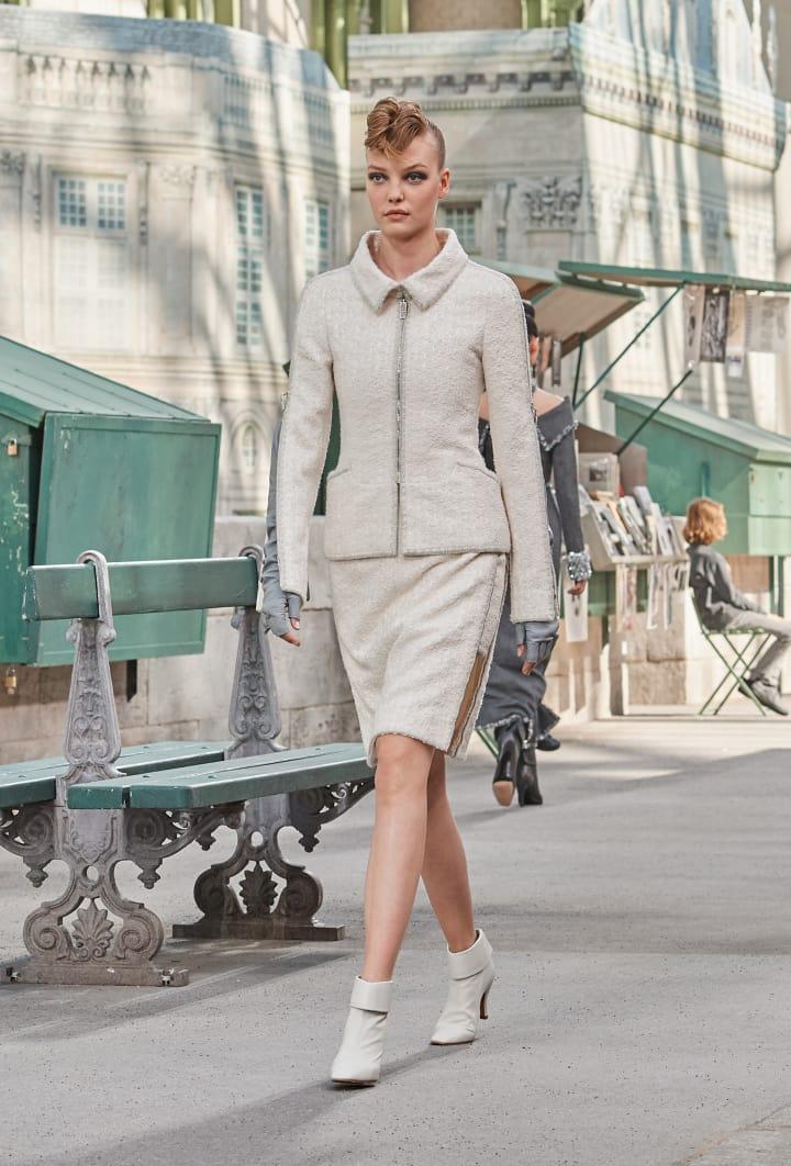Colección Chanel Otoño Invierno 2018-2019 - traje chaqueta blanco