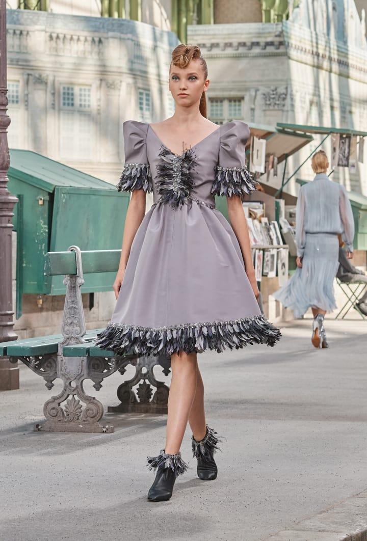 Colección Chanel Otoño Invierno 2018-2019 - vestidos grises
