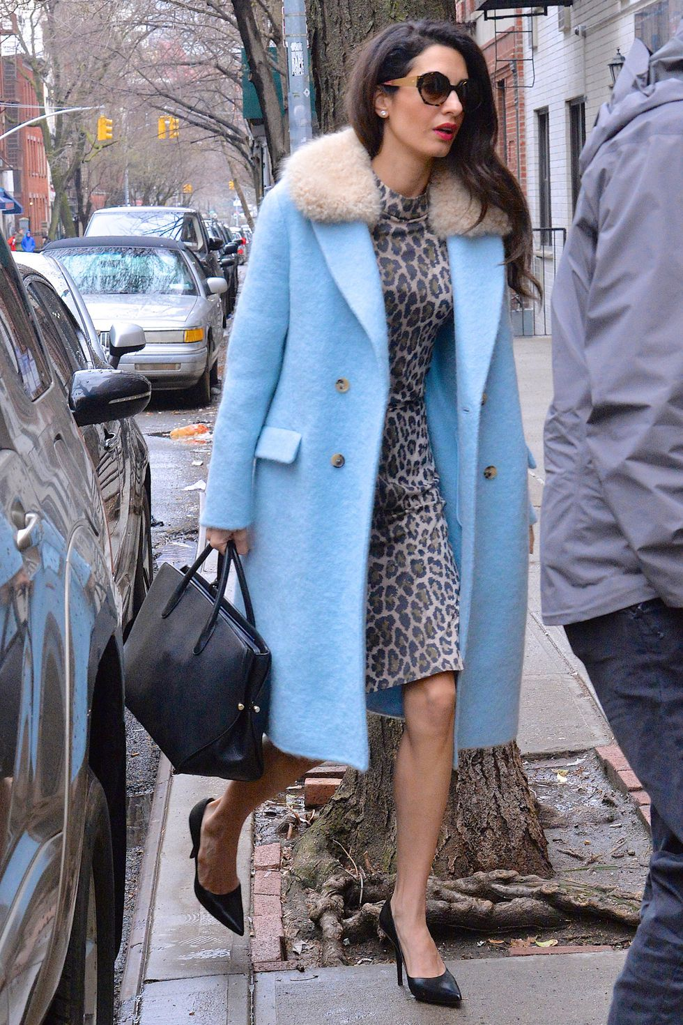 Copia los mejores estilismos de Amal Clooney- vestido leopardo