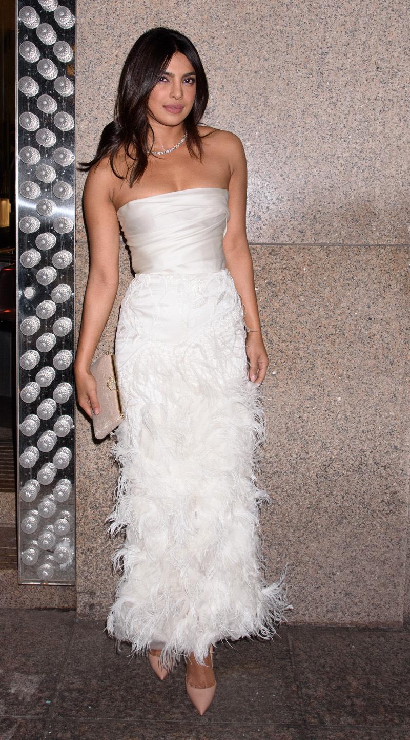 Imita los looks de cita de la pareja de moda: Nick Jonas y Priyanka Chopra - Priyanka Chopra en despedida de soltera